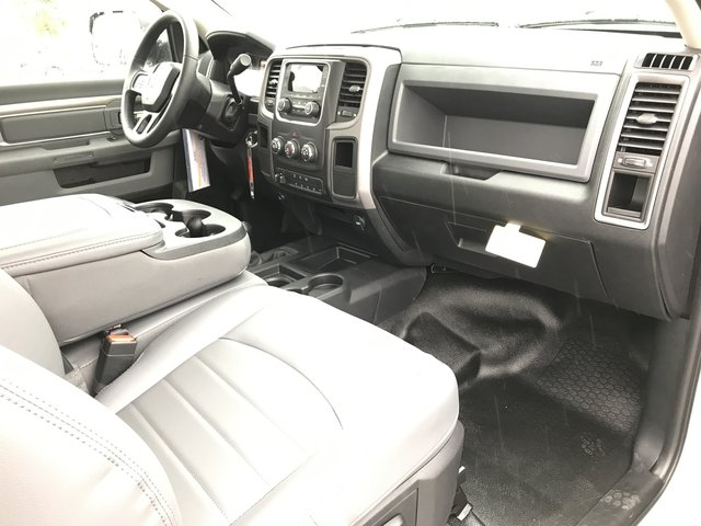 2018 Ram 5500 Regular Cab DRW 4x4 Cab Chassis #180347 - photo 15