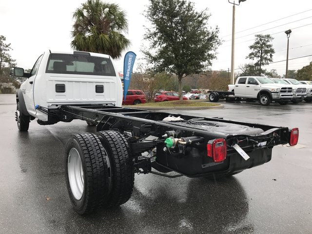 2018 Ram 5500 Regular Cab DRW 4x4 Cab Chassis #180347 - photo 4