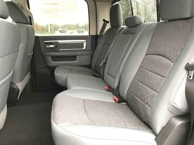 2018 Ram 3500 Crew Cab DRW 4x4, Pickup #180357 - photo 13