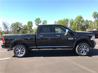 2018 Ram 3500 Crew Cab 4x4, Pickup #180638 - photo 3
