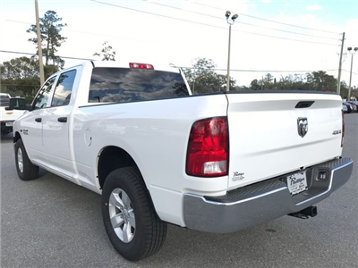 2018 Ram 1500 Crew Cab 4x4, Pickup #180690 - photo 4