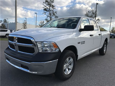 2018 Ram 1500 Crew Cab 4x4, Pickup #180690 - photo 3