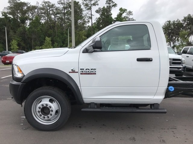 2018 Ram 4500 Regular Cab DRW 4x4, Cab Chassis #180978 - photo 9