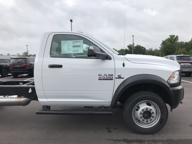 2018 Ram 4500 Regular Cab DRW 4x4, Cab Chassis #180978 - photo 6