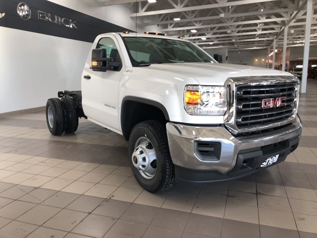 2019 Sierra 3500 Regular Cab DRW 4x4,  Cab Chassis #KF172029 - photo 5