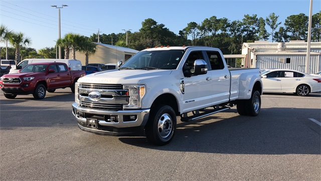 2017 Ford F-350 Crew Cab DRW 4x4, Pickup #HEE90969 - photo 6
