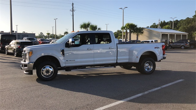 2017 Ford F-350 Crew Cab DRW 4x4, Pickup #HEE90969 - photo 7