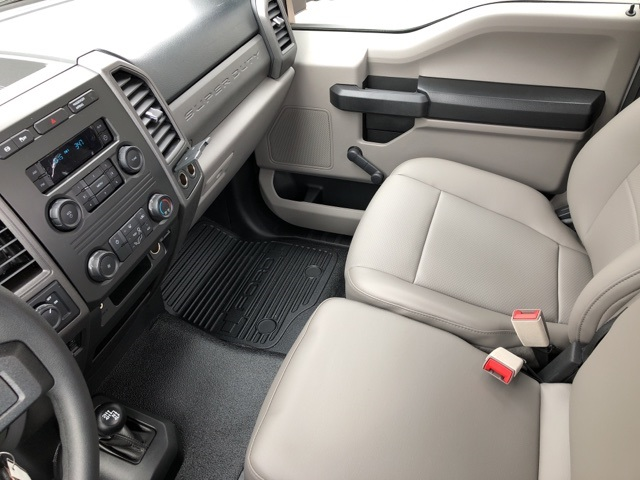 2018 F-250 Regular Cab 4x4, Pickup #JEB16213 - photo 18