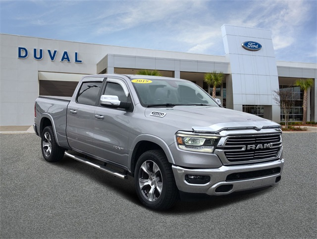2019 Ram 1500 Crew Cab 4x2, Pickup #KN502906 - photo 1