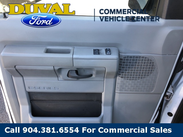 2014 E-350 4x2, Passenger Wagon #PEDA47764 - photo 2