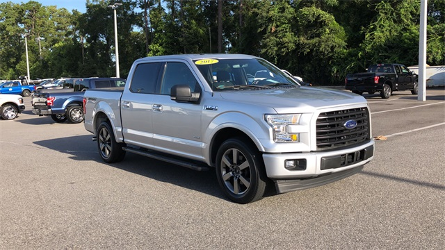 2017 Ford F-150 SuperCrew Cab 4x2, Pickup #PHFA71006 - photo 3