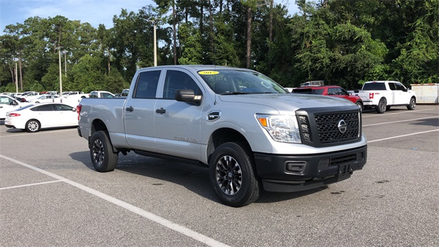 2017 Nissan Titan XD Crew Cab 4x2, Pickup #PHN500484 - photo 3