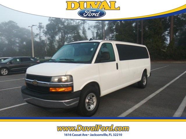 2018 Chevrolet Express 3500 4x2, Passenger Wagon #PJ1266165 - photo 1