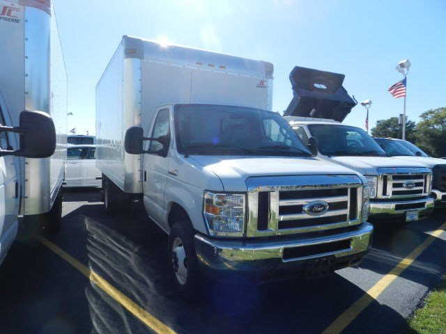 2016 E-350, Supreme Cutaway Van #GT5143 - photo 4
