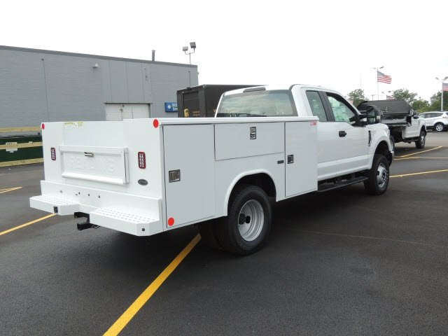 2018 F-350 Super Cab DRW 4x4,  Reading Service Body #IT5683 - photo 5