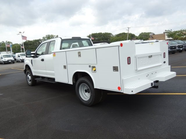 2018 F-350 Super Cab DRW 4x4,  Reading Classic II Steel Service Body #IT5683 - photo 2
