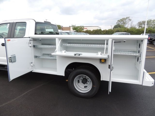 2018 F-350 Super Cab DRW 4x4,  Reading Service Body #IT5683 - photo 9