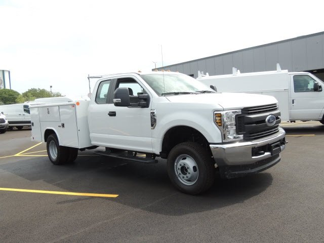 2018 F-350 Super Cab DRW 4x4,  Reading Service Body #IT5687 - photo 4