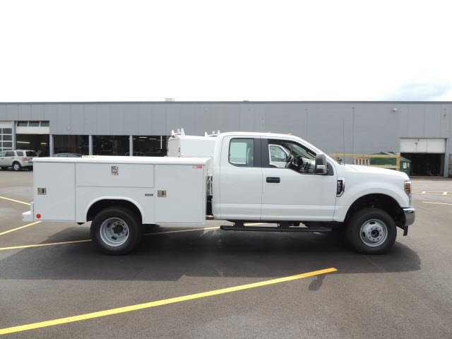 2018 F-350 Super Cab DRW 4x4,  Reading Service Body #IT5687 - photo 5
