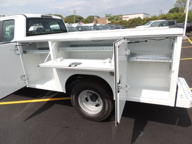 2018 F-350 Super Cab DRW 4x4,  Reading Service Body #IT5687 - photo 8