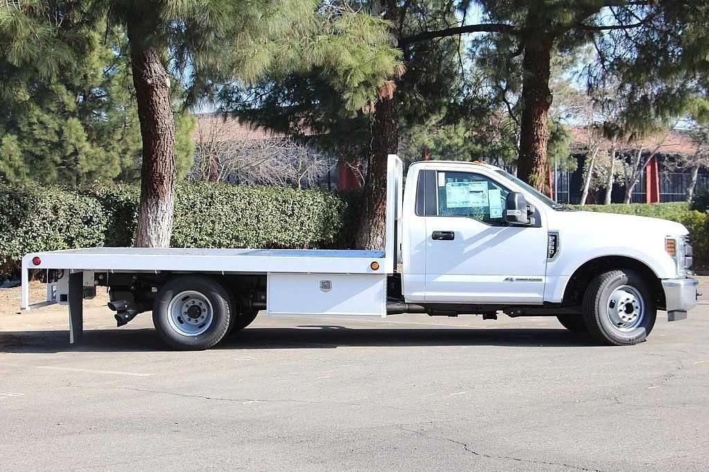 2018 F-350 Regular Cab DRW, Scelzi Platform Body #3932472 - photo 6