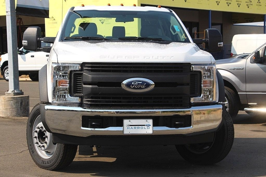 2017 F-550 Regular Cab DRW Cab Chassis #3964817 - photo 4