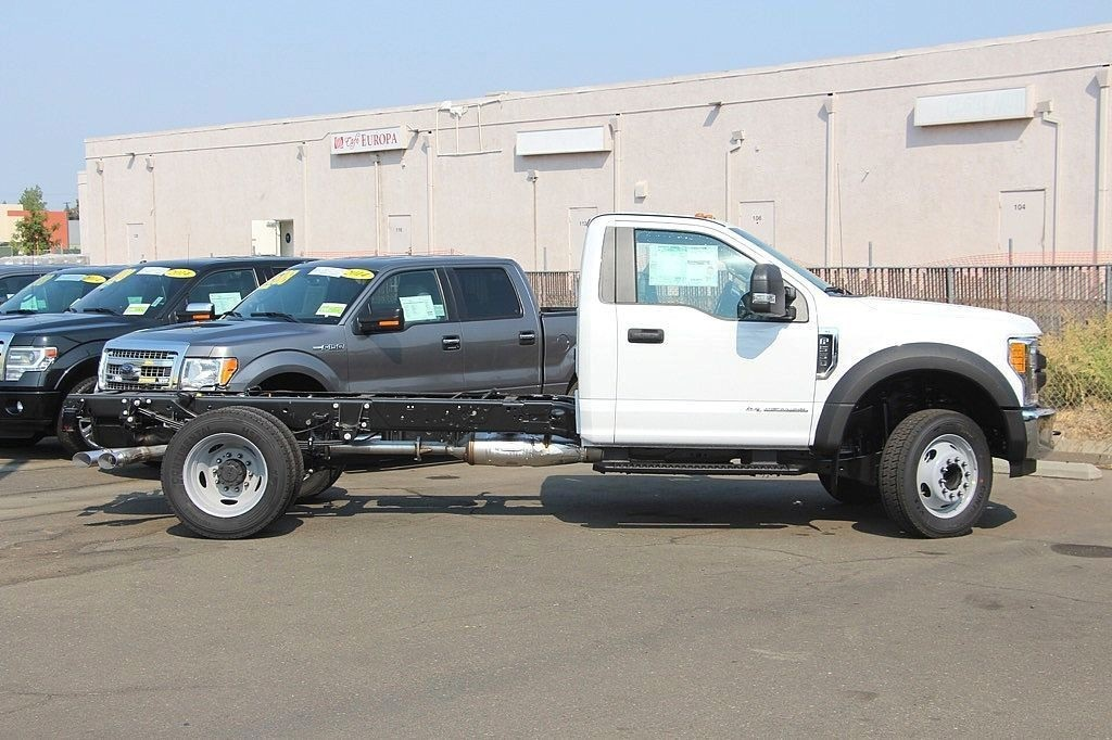 2017 F-550 Regular Cab DRW Cab Chassis #3964817 - photo 6