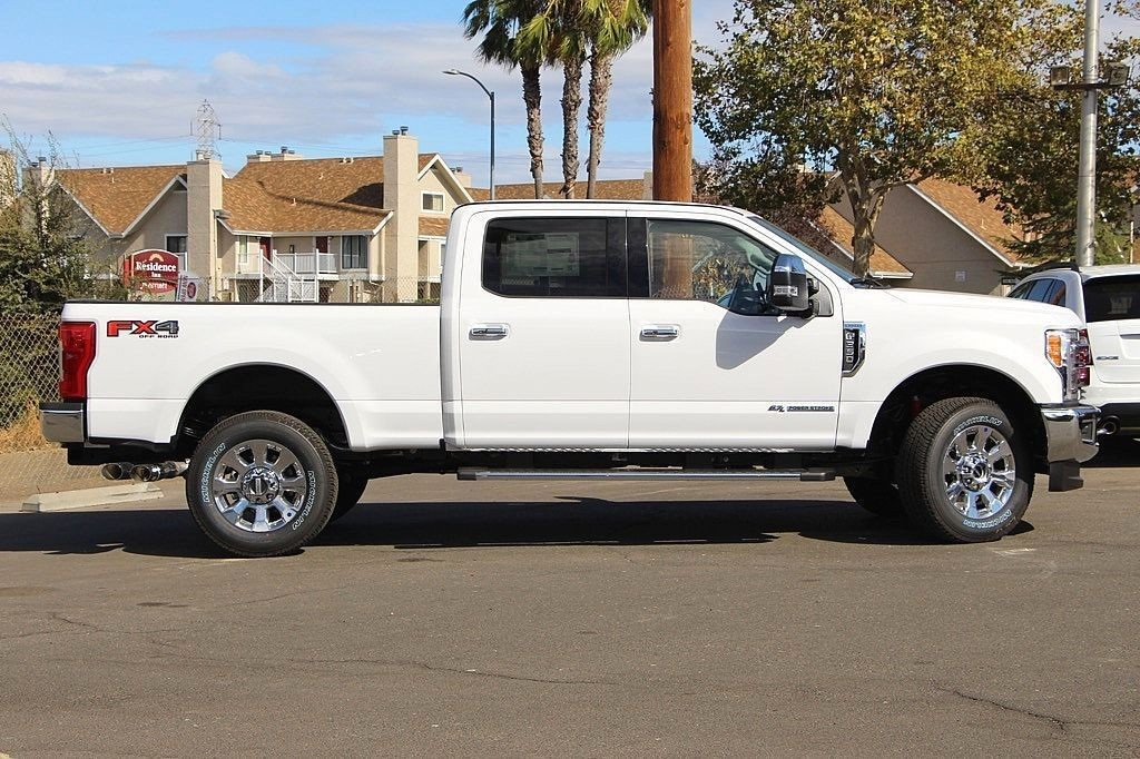 2017 F-350 Crew Cab 4x4 Pickup #3997068 - photo 6