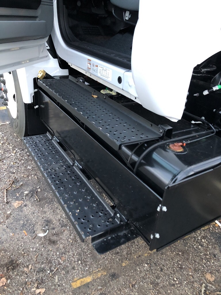 2019 F-650 Regular Cab DRW 4x2,  Cab Chassis #T90312 - photo 4