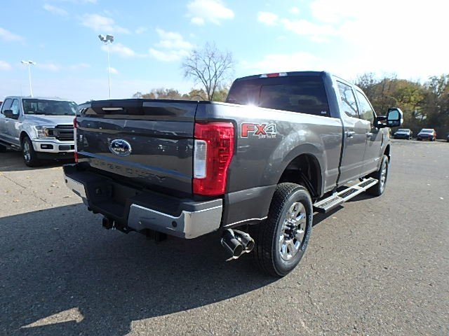 2017 F-350 Crew Cab 4x4 Pickup #FH9450 - photo 5