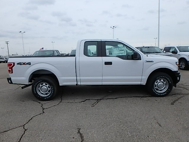 2018 F-150 Super Cab 4x4, Pickup #FJ3905 - photo 4