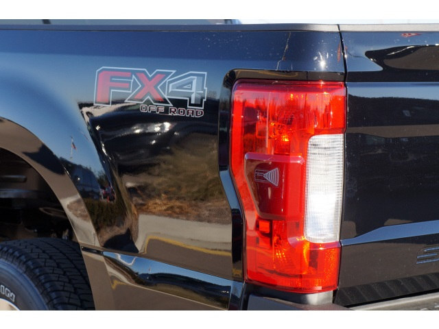 2017 F-350 Crew Cab 4x4 Pickup #45321 - photo 18