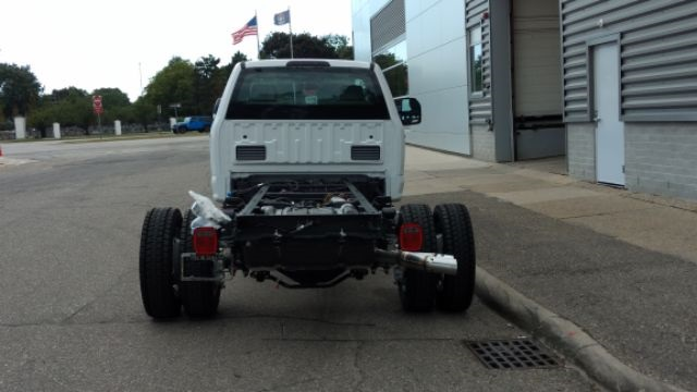 2017 F-550 Regular Cab DRW 4x4, Cab Chassis #FH1754 - photo 3