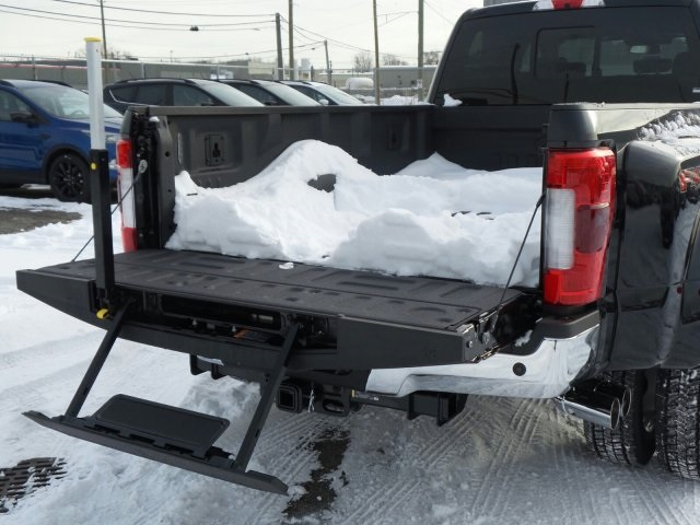 2018 F-450 Crew Cab DRW 4x4, Pickup #FI0291 - photo 4