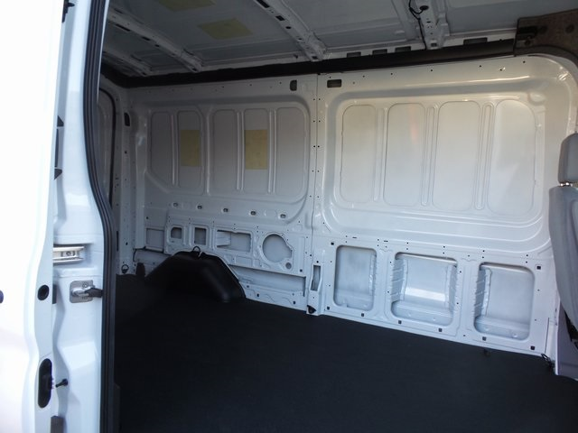 2018 Transit 250 Med Roof 4x2,  Empty Cargo Van #FI1593 - photo 4