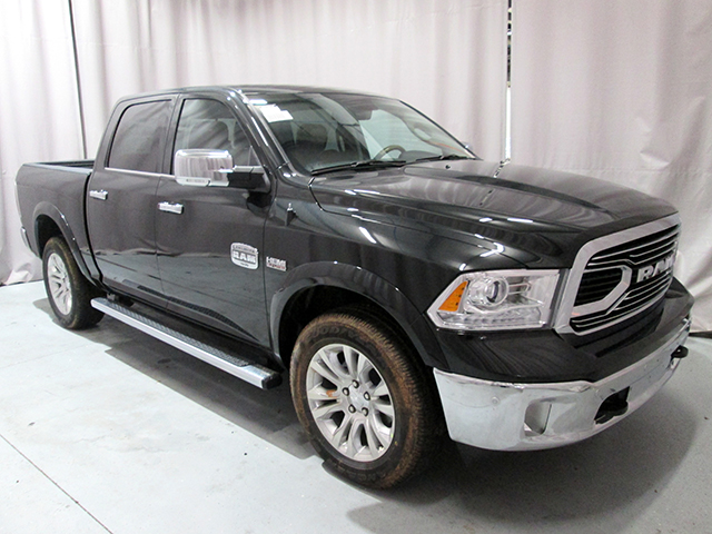 2017 Ram 1500 Crew Cab 4x4, Pickup #D170214 - photo 3