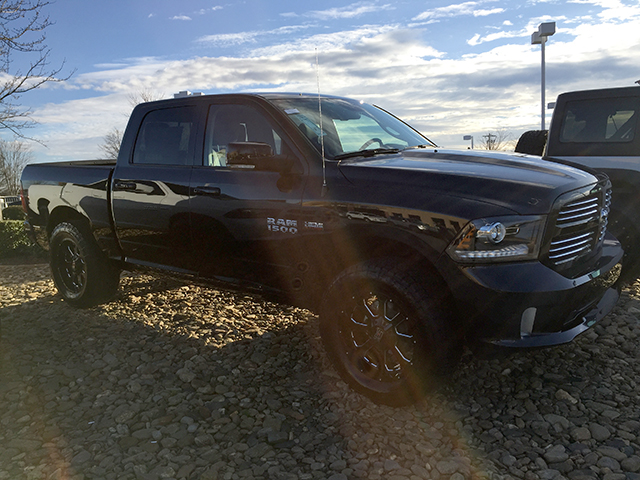 2017 Ram 1500 Crew Cab 4x4, Pickup #D170254 - photo 4