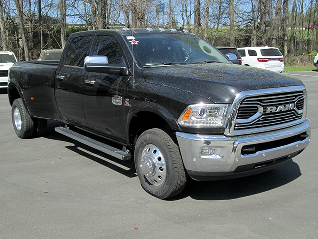 2017 Ram 3500 Crew Cab DRW 4x4, Pickup #D170439 - photo 20