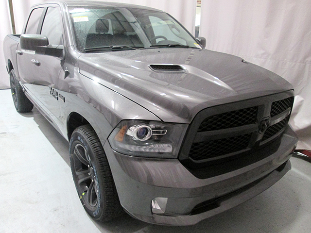 2017 Ram 1500 Crew Cab 4x4, Pickup #D170543 - photo 3