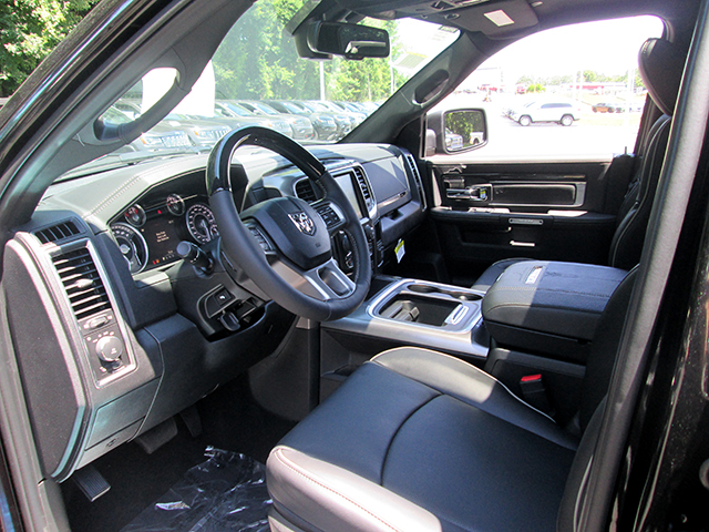 2017 Ram 1500 Crew Cab 4x4, Pickup #D170576 - photo 7