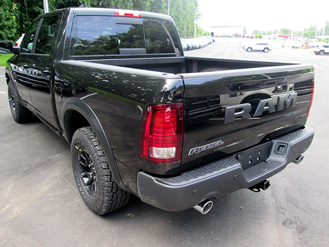 2017 Ram 1500 Crew Cab 4x4, Pickup #D170585 - photo 2