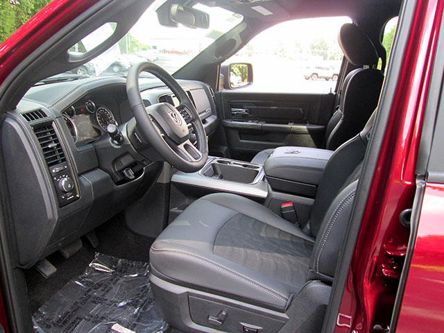 2017 Ram 1500 Crew Cab 4x4, Pickup #D170621 - photo 6