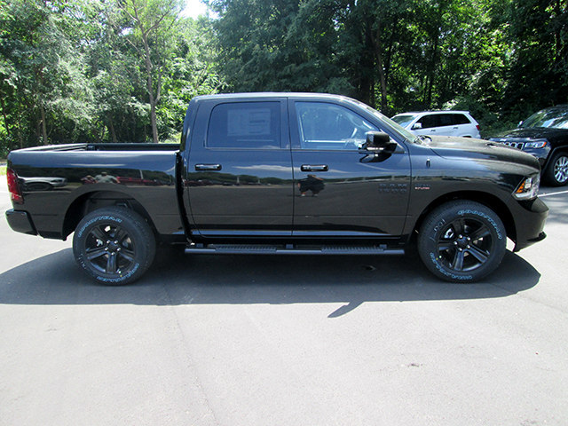 2017 Ram 1500 Crew Cab 4x4, Pickup #D170649 - photo 3