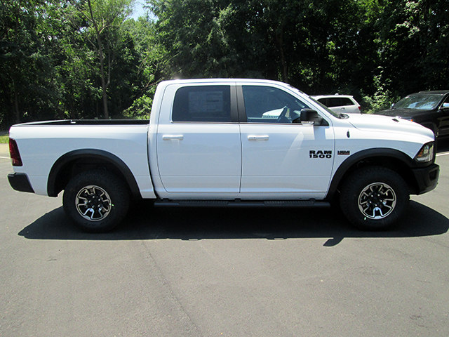 2017 Ram 1500 Crew Cab 4x4, Pickup #D170673 - photo 3