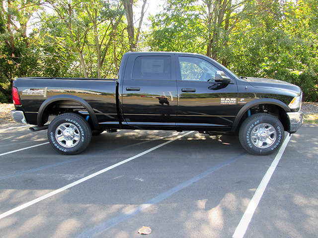 2018 Ram 2500 Crew Cab 4x4 Pickup #D180029 - photo 3