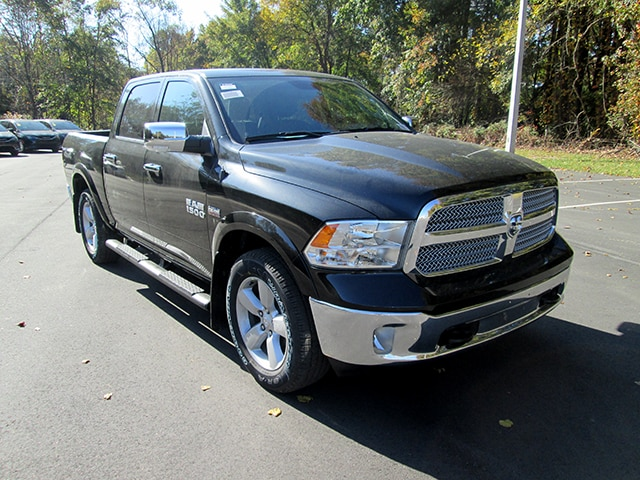 2018 Ram 1500 Crew Cab 4x4 Pickup #D180066 - photo 1