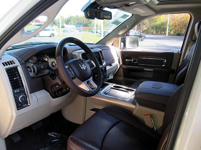 2018 Ram 1500 Crew Cab 4x4, Pickup #D180107 - photo 6