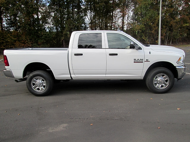 2018 Ram 2500 Crew Cab 4x4 Pickup #D180110 - photo 3