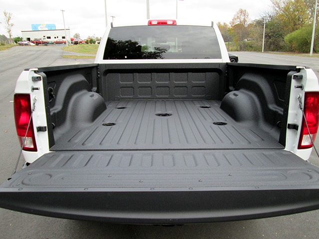 2018 Ram 2500 Crew Cab 4x4 Pickup #D180111 - photo 11