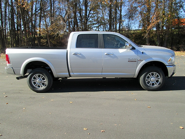 2018 Ram 2500 Crew Cab 4x4, Pickup #D180158 - photo 3